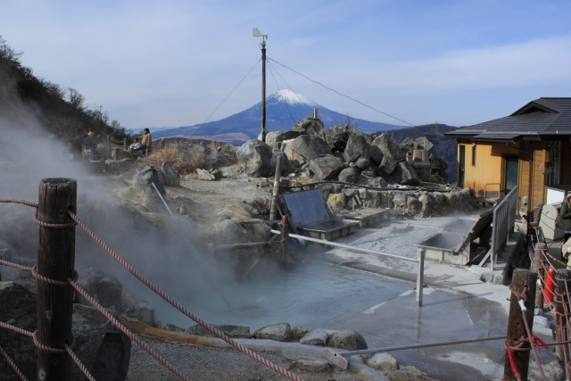 箱根的大湧谷。附近的溫泉街有溫泉天堂的美譽。