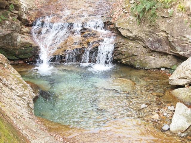 鬼怒川除了溫泉外,瀑布紅葉也很有名。
