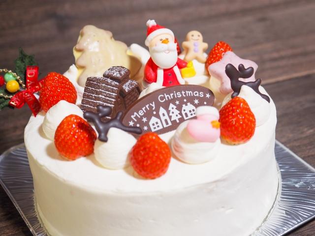 士多啤梨海綿蛋糕可算是日式聖誕蛋糕。