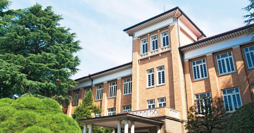 著名女校津田塾大學屬於C等。