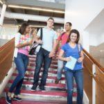 日本有37間大學有提供英語授課學位