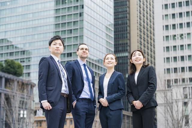 畢業後想留直接在當地就職的話,日本可能是你的選擇。
